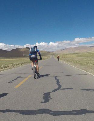 Tibet: 24d Mountain Biking Friendship Highway in Tibet
